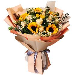 6朵向日葵,11朵香槟玫瑰,前途无限美好