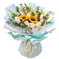 11朵香槟玫瑰,3朵向日葵,祝福连绵不绝