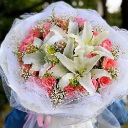 33朵戴安娜粉玫瑰百合,爱你千年不够