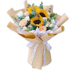 3朵向日葵,9朵香槟玫瑰,马到成功