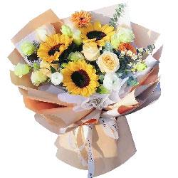 3朵向日葵,6朵香槟玫瑰,幸福的色彩