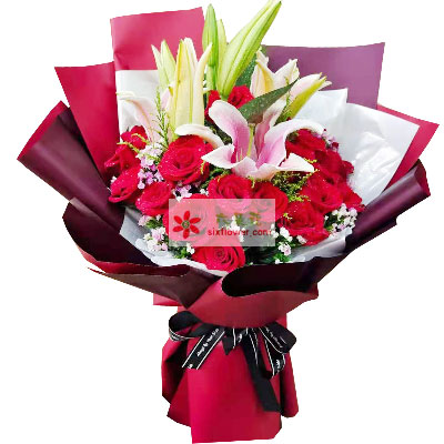 18朵红玫瑰,2支粉色多头百合,美美的爱情