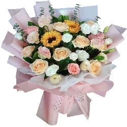 6朵香槟玫瑰,向日葵桔梗,更加精彩