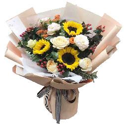 3朵向日葵,3朵香槟玫瑰,敬爱的您一生安康