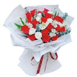 18朵红玫瑰,时光永远不会改变对你的爱