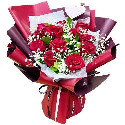 12朵红玫瑰,心心相印