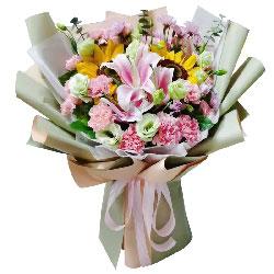 19朵粉色康乃馨百合向日葵,有你能放飞梦想